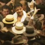 Russell Crowe stands out in a crowd