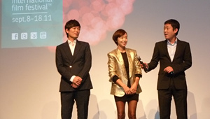 Actors Jung Jae-Young, Jeon Do-Yeon, and writer/director Huh Jong-Ho in Toronto for Countdown