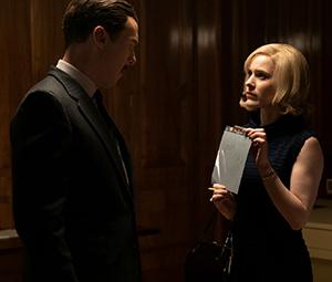 Greville Wynne (Benedict Cumberbatch) and Emily Donavan (Rachel Brosnahan)