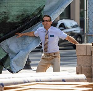 Guy (Ryan Reynolds)