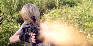 Child actors get real weapons training