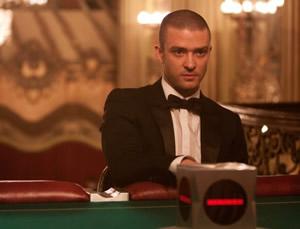 Justin Timberlake takes time to gamble
