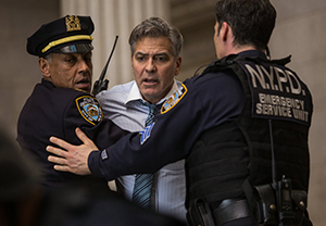 Lee Gates (George Clooney) is a Money Monster