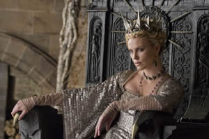 The evil queen (Charlize Theron)