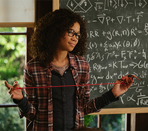 Meg Murry (Storm Reid), daughter of scientists who wrinkle time