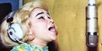 Etta sings in Muscle Shoals
