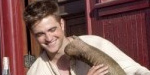 Pattinson tries to carry Water for Elephants